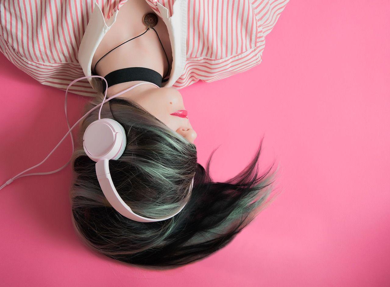 Música EN 8D ES